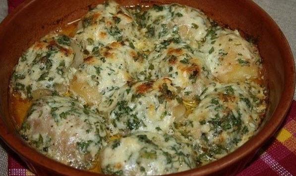 картошечка запеченная в чесночном масле