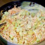 Новый вариант праздничного салатика с корейской морковкой и курицей.