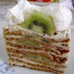 Торт «Медовый» с киви и бизе сметается с тарелок за 5 минут! Быстро, просто и сытно. Обалденная штука!