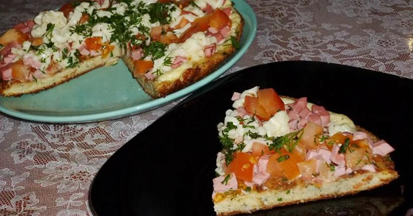 Этот экспресс-рецепт пиццы из хлеба выручит в любой ситуаии: он быстрый, простой и невероятно бюджетный. К тому же с ним легко справятся даже ваш муж или ребенок!