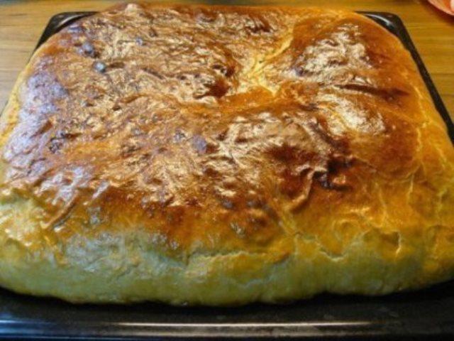 РЫБНЫЙ ПИРОГ можно подавать на стол, как горячим, так и холодным. Пирог получается очень нежным и сочным внутри, а снаружи получается очень аппетитная и хрустящая корочка.