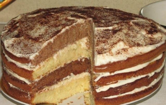 Торт Сметанник - любимый  торт.