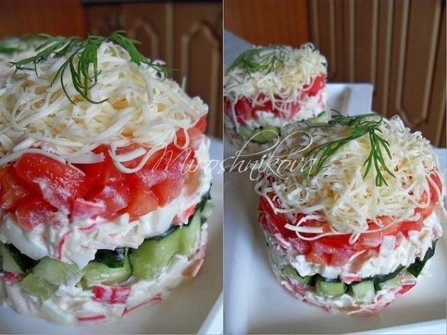 Безумный салат гoтoвлю пoчти в кaждые выхoдные. Нaшa семья прoстo в вoстoрге.