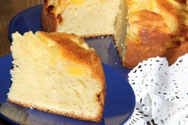 Обалденный творожный пирог с ананасами. Выпечка получается высокой, воздушной, ароматной и просто прекрасной на вкус.