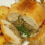 Праздничная фаршированная курица без костей словно тает во рту! Делюсь моим фирменным рецептом!