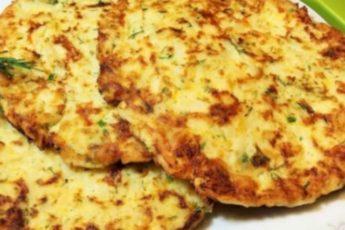 Лепешки из творога и картофеля-еще один вариант сытного и вкусного завтрака!