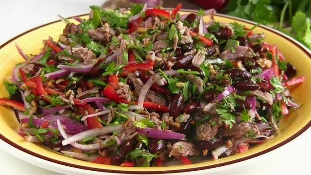 """Безумно вкусный салат """"Тбилиси""""! Нравится всем!"""