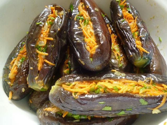 Ароматные фаршированные баклажаны: бомбически вкусно.