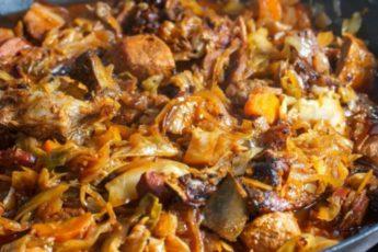 Бигос из молодой капусты - сытный обед перед которым невозможно устоять!