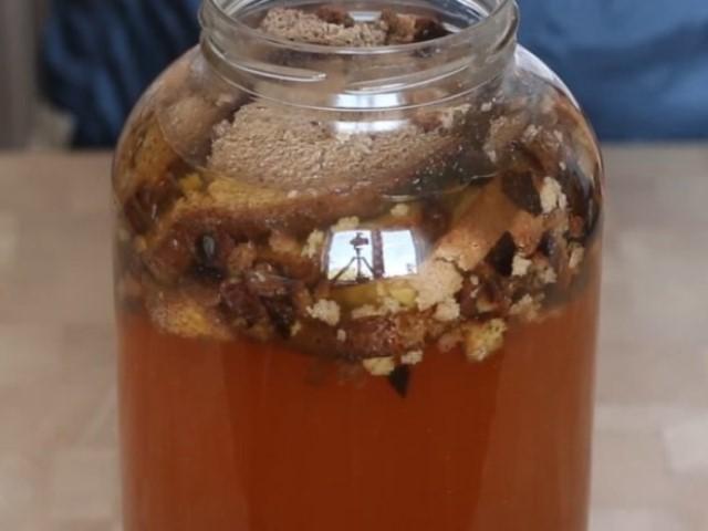 Что может быть лучше ядреного напитка из домашней закваски в летнюю жару!