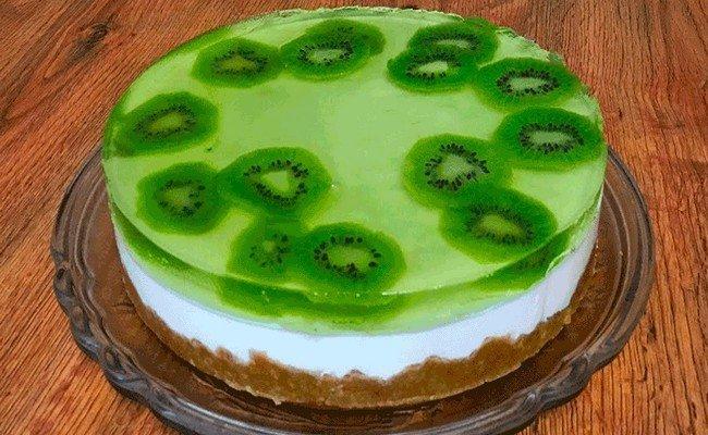 Очень вкусный творожный торт с фруктами без выпечки