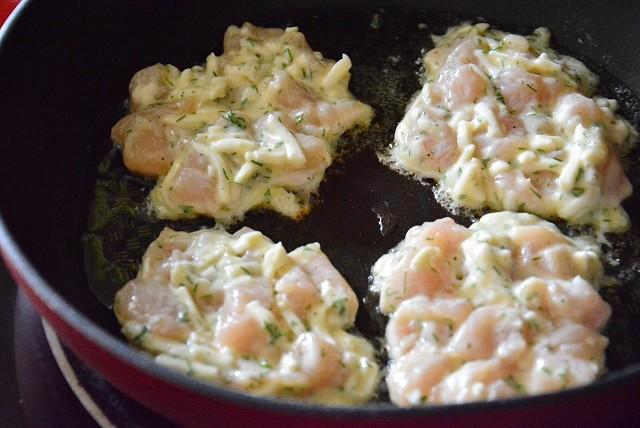 Рубленые куриные котлетки с сыром — это надо попробовать!