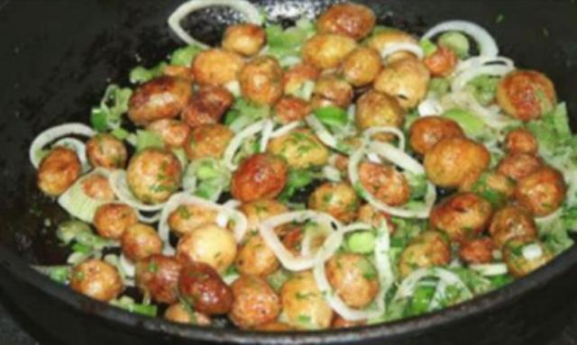 Очень вкусный вариант приготовления молодого картофеля!