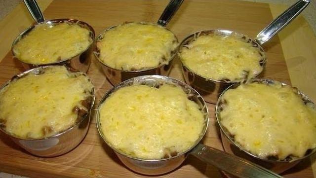 Жюльен с курицей и грибами. Очень вкусное, праздничное блюдо. Нежное, сочное, ароматное!