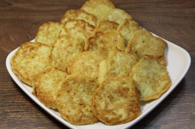 Вкуснятина из «ничего»! Люблю еще с детства, мама частенько нам готовила такое.