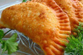 Рецепт хрустящих, сочных и вкусных чебуреков 1