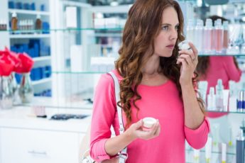 Никотиновая кислота: растворяет застойные жиры, в результате кожа насыщается 1